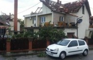 Tornado u Srbiji zbrisao selo za tri minuta, prevrtao šlepere! (foto/video)