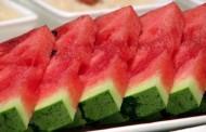 Isjecite lubenicu na komadiće za manje od 60 sekundi