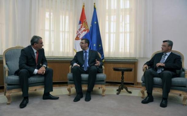 Photo of Srbija se neće miješati u izbornu volju građana RS