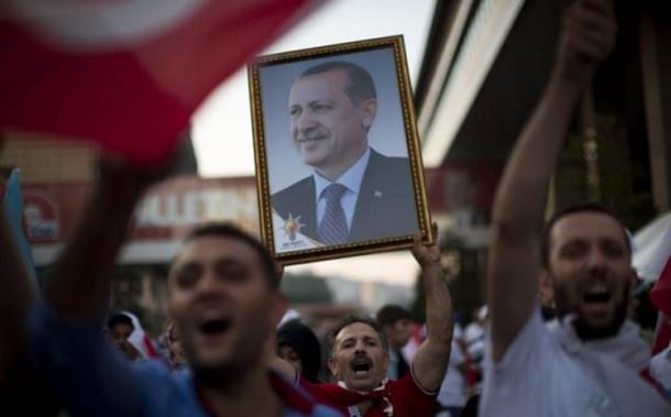 Popović: Podrška Erdoganu - veoma opasna