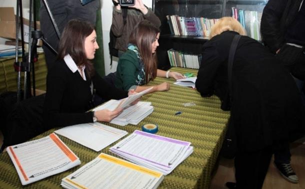 U Bratuncu do 11 časova glasalo 20,7 odsto
