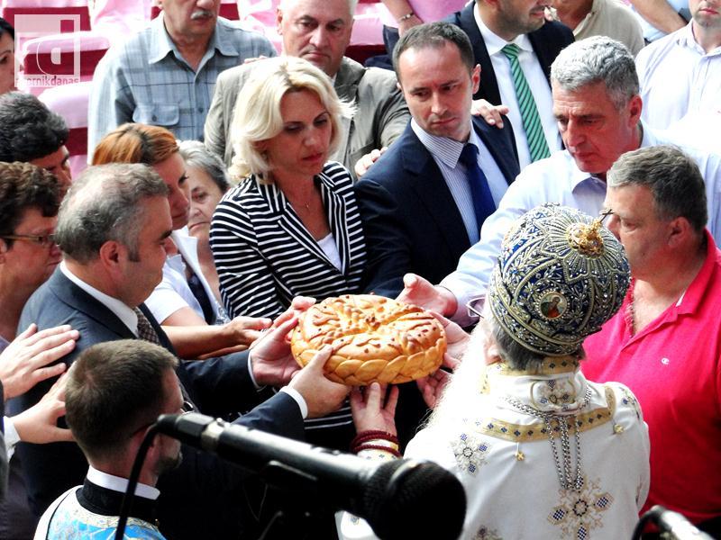 Photo of Duhovnim i kulturnim događajima proslavljena krsna slava opštine Zvornik