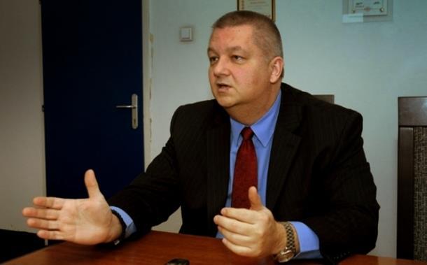 Kesić: Pretnja sankcijama RS pogrešna politika