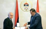 Dodik uručio ukaz o dodjeli odlikovanja za 205 poginulih boraca