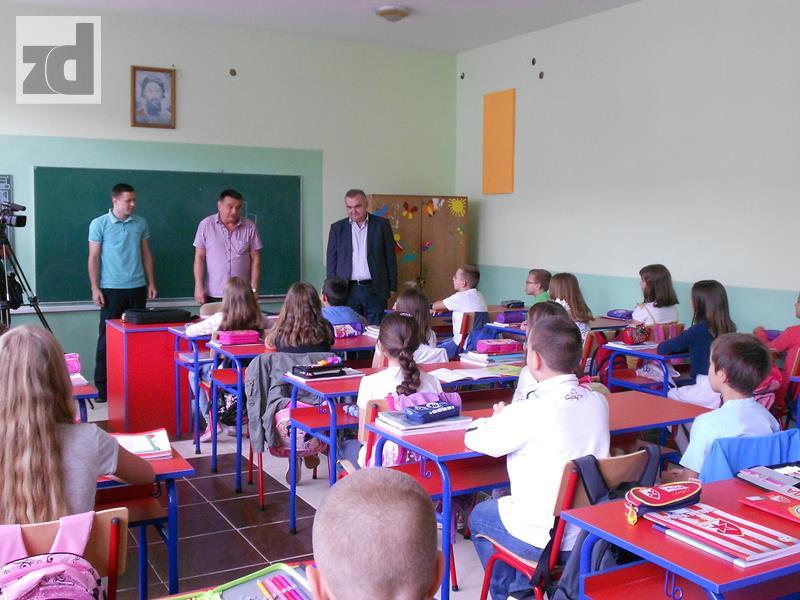 Photo of Načelnik Stevanović učenicima poželio srećan početak nove školske godine