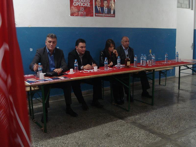 Photo of Košarac na javnim tribinama SNSD-a u Han Pijesku, Vlasenici, Šekovićima i Zvorniku