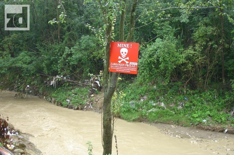 Photo of Sproveden projekat upozorenja na opasnost od mina pomjerenih u poplavama