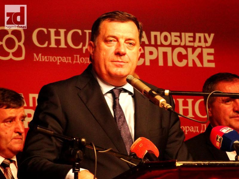 Dodik: Vrijeđenje premijerke, udar i na sve žene