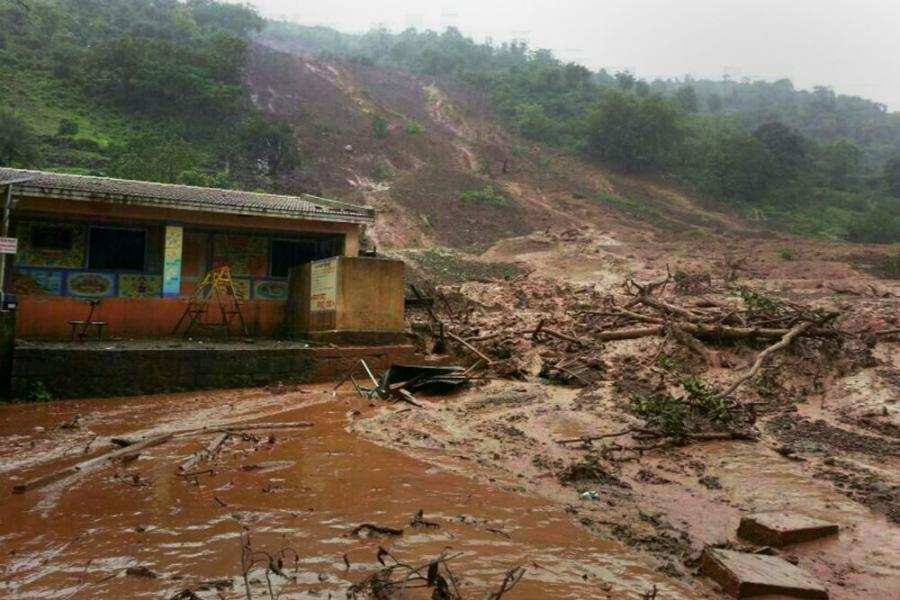 Indija: Poginulo 28 lica u poplavama i klizištima