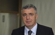 Neprihvatljivo postavljanje ratne zastave u parlamentu BiH