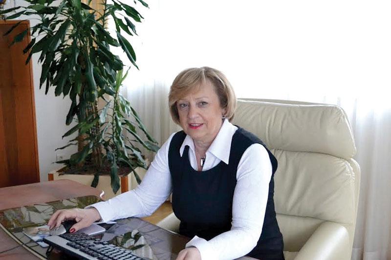 Photo of Tešanovićeva uručila rješenja korisnicima subvencija