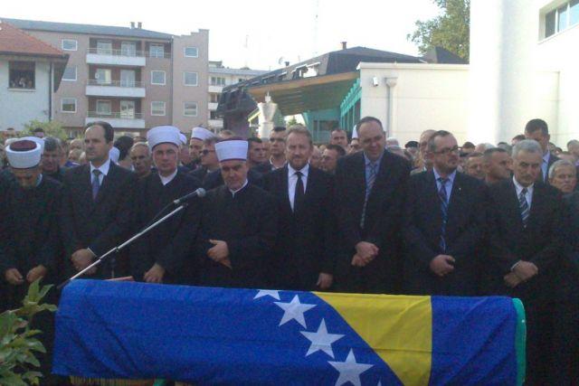 Photo of Sahranjen Sulejman Tihić (foto)