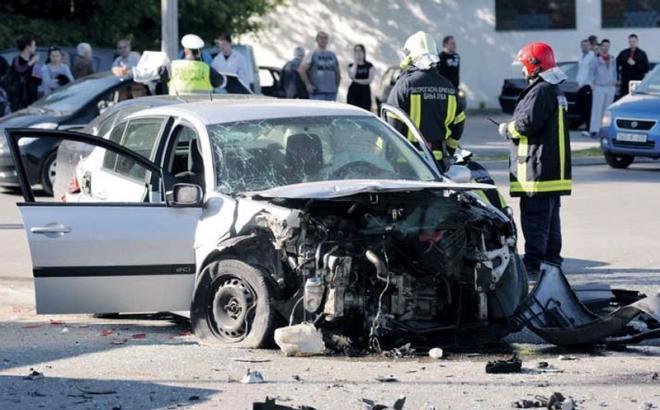 Poginule dvije osobe u Pelagićevu i Gračanici