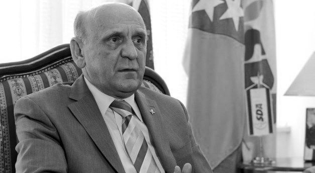 Photo of Preminuo Sulejman Tihić