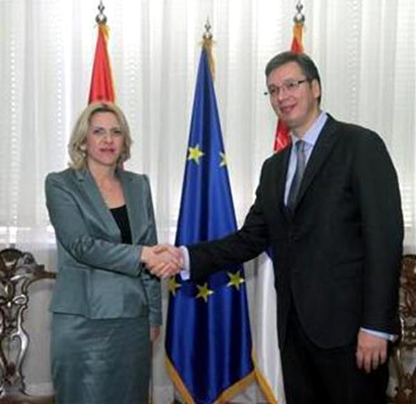 Photo of Vučić čestitao Cvijanovićevoj