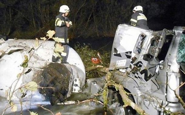 Photo of Klagenfurt: Državljanin BiH zaspao za volanom kamiona, 26.000 litara sokova se izlilo u rijeku
