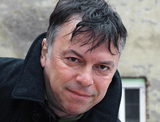 Photo of Karajlić najavio da će tek početi da govori perom