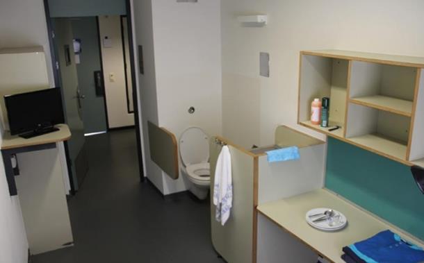 Photo of Haški tribunal: Stroga pravila, džeparac i balkanski TV kanali