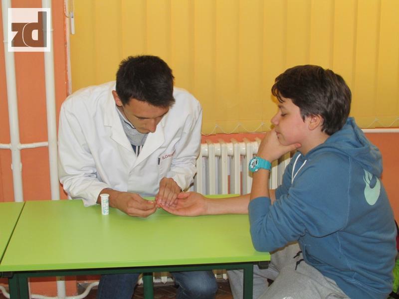 Photo of Učenici mjerili šećer i krvni pritisak