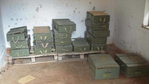 Photo of Vehabije rade u kasarni punoj eksploziva