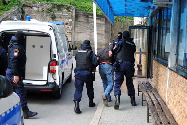 Među uhapšenima i odbornik SDS-a