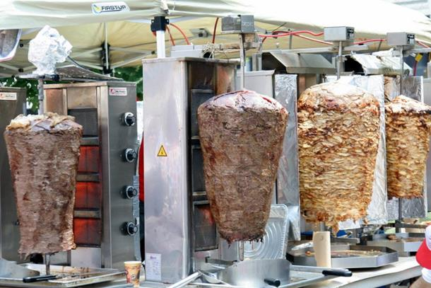 "Photo of Desnica protiv ""kebabizacije"" zemlje"