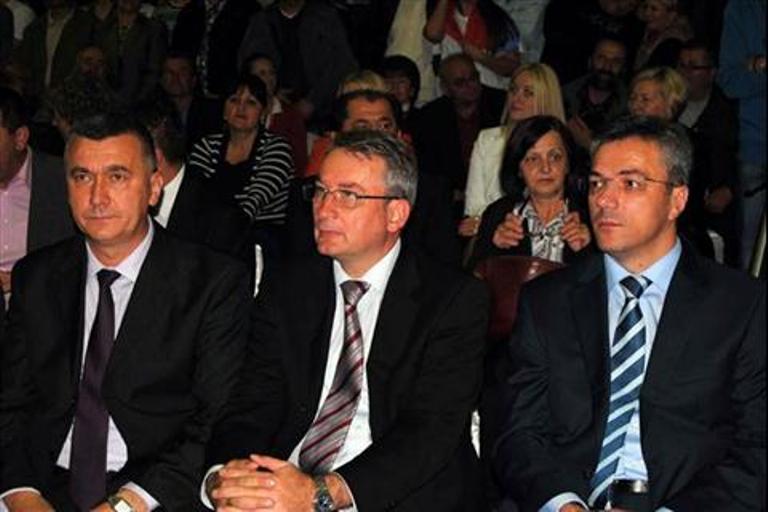 Tadić u Zvorniku: Uvijek vjerovati u Srpsku