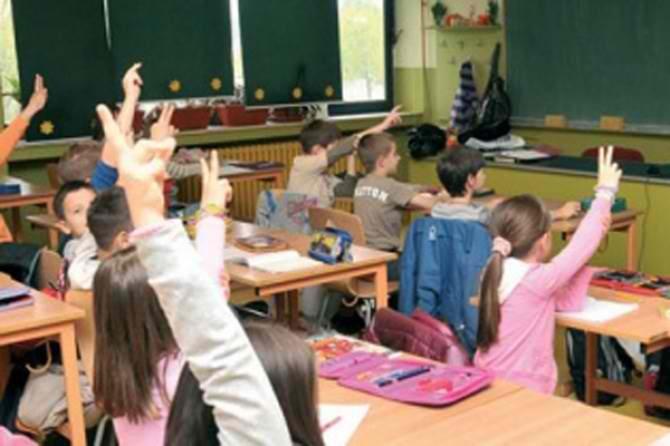 Osnovci lete iz škole zbog lošeg ponašanja
