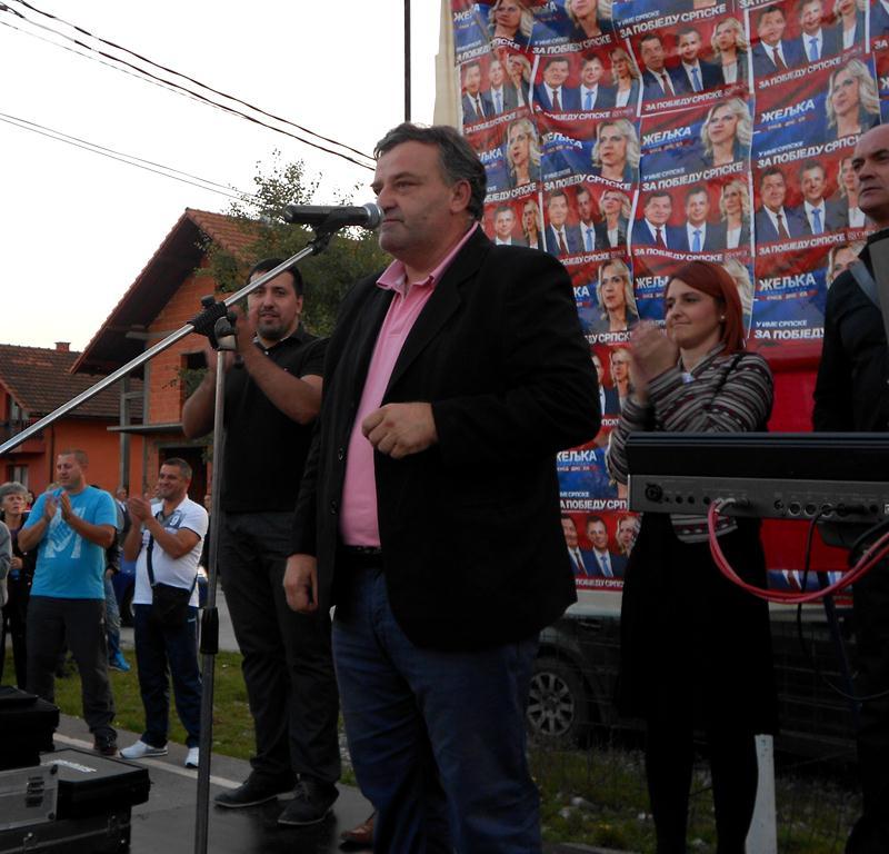 Photo of SNSD-ovi kandidati u naselju Ulice: Glasati za opstanak Srpske (foto)