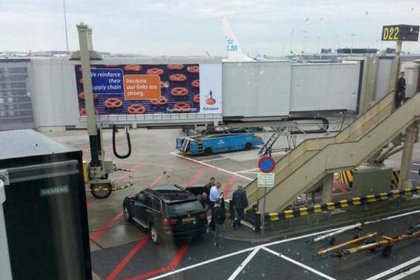 Šešelj krenuo za Beograd, stiže u 13 časova