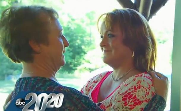 Kako izgleda kad se majka i kći se sretnu nakon dugih 47 godina (video)