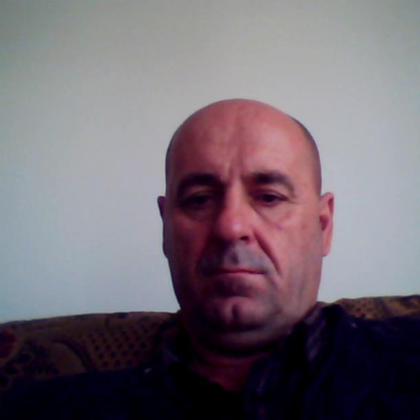 Photo of Zvornik: Nastavnik učenicama ostavljao perverzne poruke na Fejsbuku