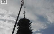 Postavljeni časni krstovi na zvonicima zvorničkog Sabornog hrama (foto)