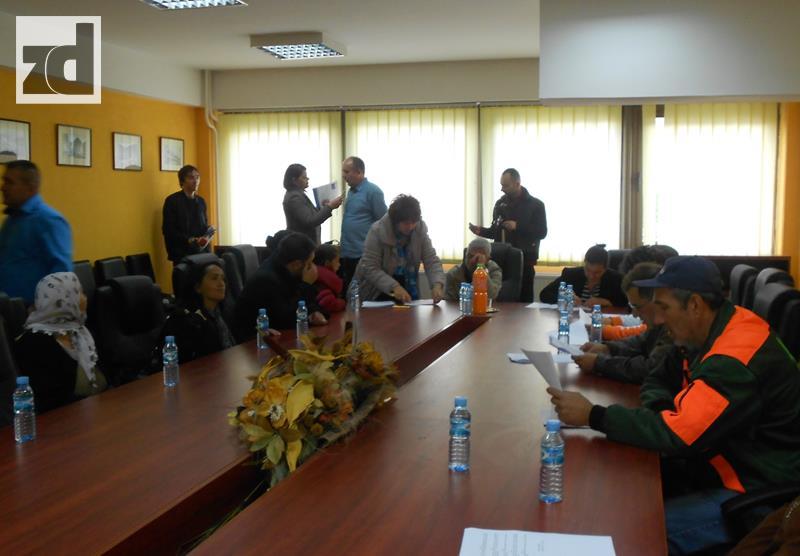 "Photo of Potpisani tripartitni sporazumi u okviru projekta ""Roma ekšn"""