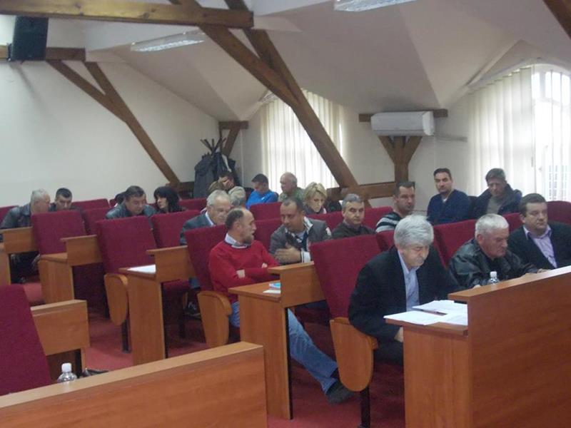 Photo of Naprednjaci preuzeli vlast u Malom Zvorniku, neizvjesno ko će biti novi predsjednik Opštine