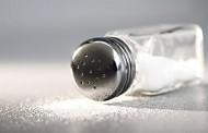 Mali kuhinjski trikovi: Nevjerovatni načini na koje možeš upotrijebiti sol