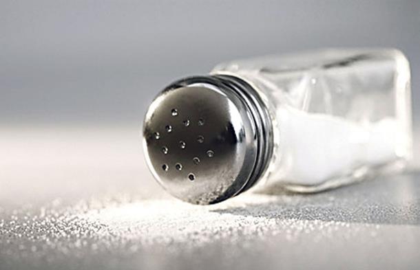 Uz malo soli riješite se glavobolje za minutu!
