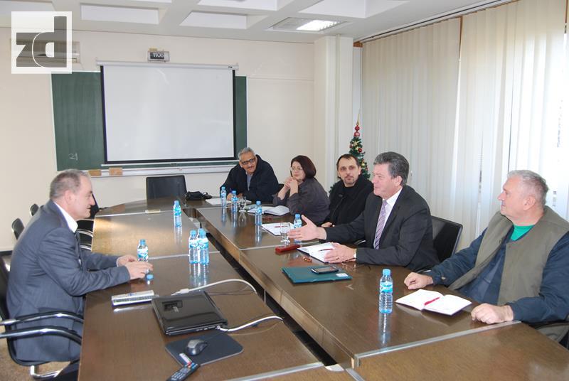 "Photo of Pregovori menadžmenta ""Alumine"" i sindikata o platama u 2015. godini"