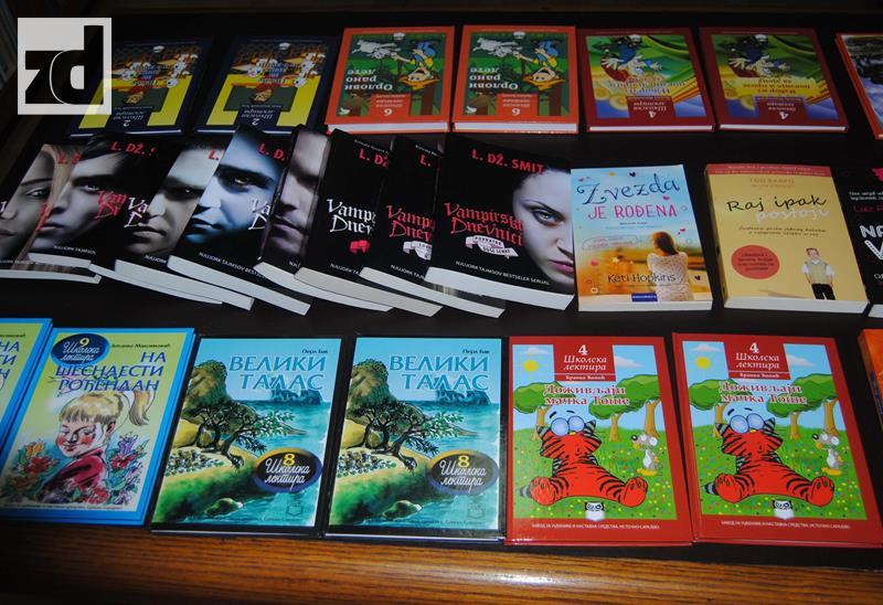 Photo of Otovrena izložba knjiga i nagrađeni najbolji čitaoci