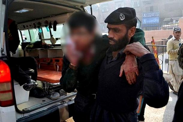 Talibani u vojnoj školi u Pakistanu ubili najmanjue 20 ljudi