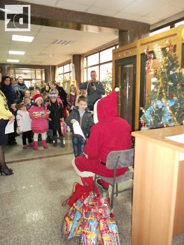 """Photo of """"Pošte Srpske"""" nagradile autore najljepših pisama Djeda Mrazu"""