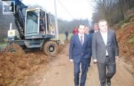 Stevanović i Angelov obišli radove na sanaciji klizišta u Malešiću