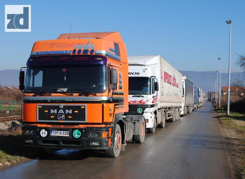 Batrovci zatvoreni za kamione u oba smjera