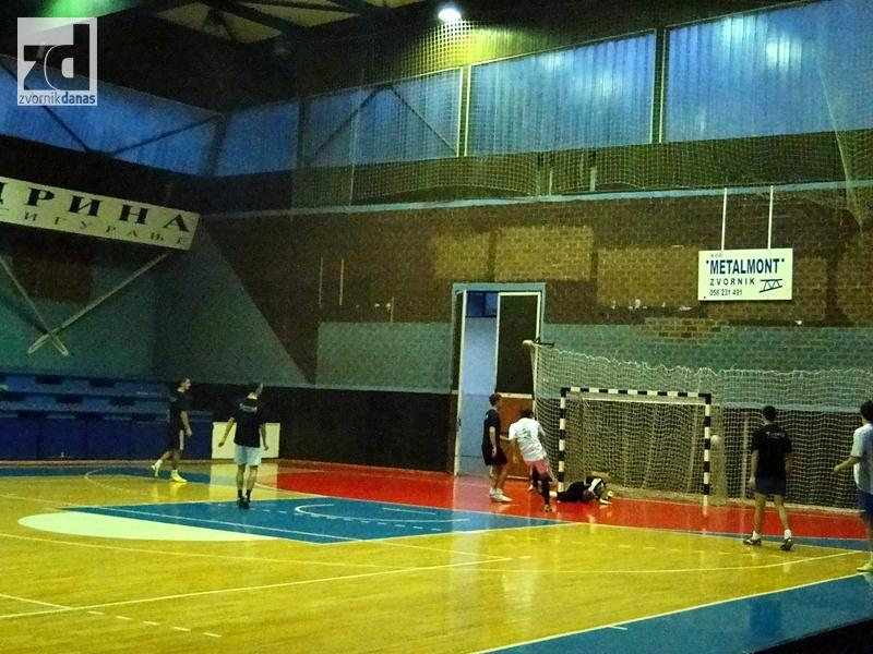 Photo of Danas četvrtfinale Božićnog turnira u malom fudbalu