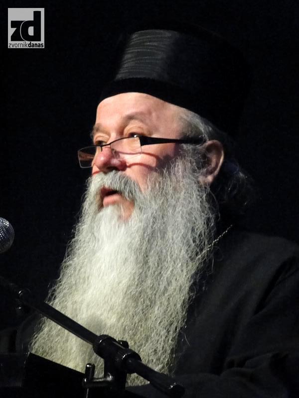 Photo of Mitropolit Hrizostom: Vjerovati u Boga, ali poštovati i epidemiološke mjere