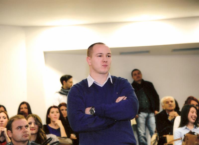 Photo of Miodrag Mihajlović iz Zvornika najbolji student generacije na Filozofskom fakultetu