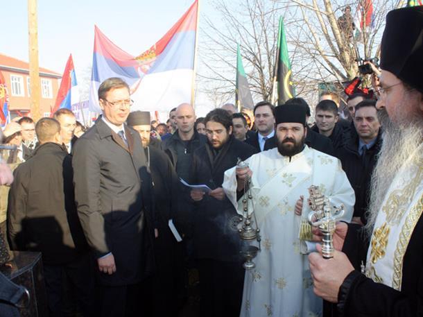 Albanci provocirali premijera Srbije (FOTO i VIDEO)