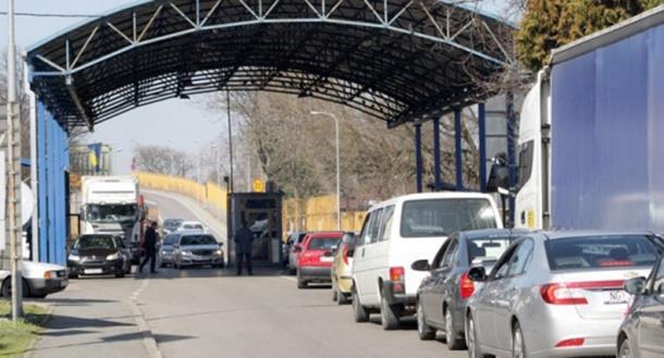 Haos na granici s BiH: Strah od terorizma stvorio kilometarske kolone