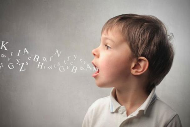 Photo of Učenje drugog jezika sa 10 godina koristi mozgu