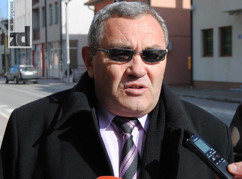 Photo of RVI Zvornik: Izmjeniti odluku o legalizaciji placeva ili blokada SO Zvornik